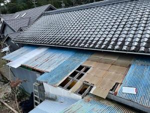 ポリカ屋根