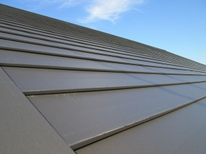 ③新しい屋根材を施工