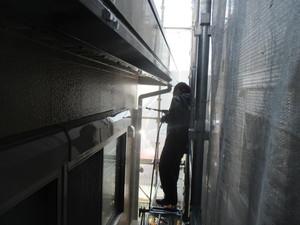 外壁を高圧洗浄