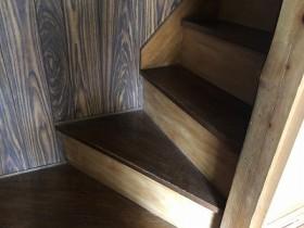 階段ベニヤ張替