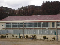 新城市立鳳来中学校 体育館 屋根