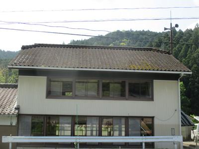 新城市の公民館の屋根改修工事